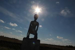 Памятник инопланетянину. Молебская аномальная зона
